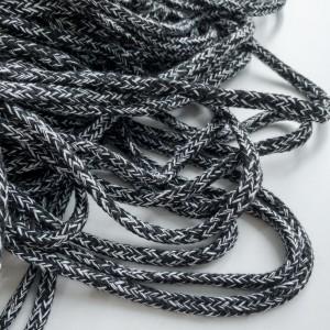 Шнур 5 мм круглый плетеный Бело-черный