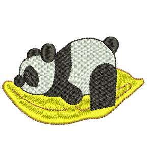 """Вышивка """"Панда на подушке"""""""